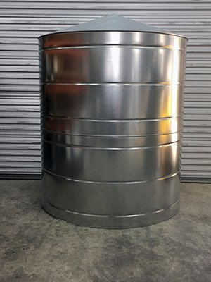 200 Gallon Galvanized Water Tank