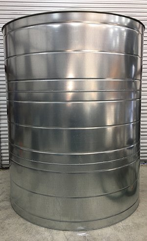 2600 Gallon Galvanized Water Tank